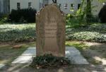 Grabstein für Moses Mendelssohn, beide Seiten